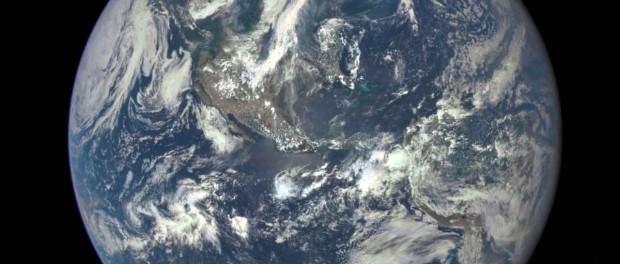 DSCOVR : La première photo de la Terre depuis 1972. Crédit NASA