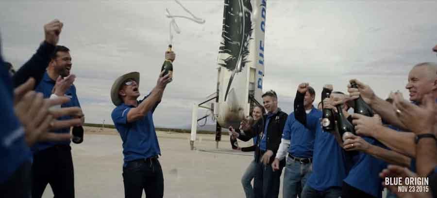 L'équipe de Blue Origin fête cette première.
