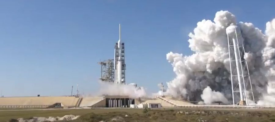 premier lancement du falcon heavy en direct le 6 f vrier 2018. Black Bedroom Furniture Sets. Home Design Ideas