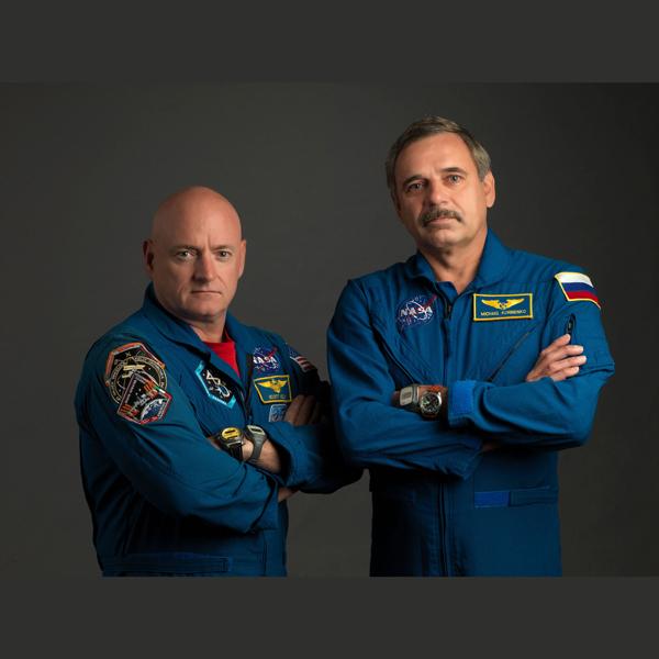 L'astronaute américain Scott Kelly et le cosmonaute Mikhail Kornienko vont rester une année entière à bord de ISS