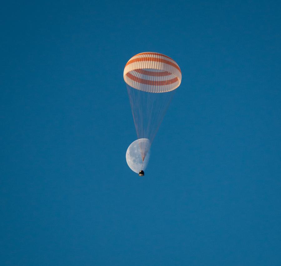 Retour de trois astronautes