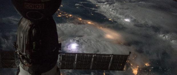 Les orages vus de nuit