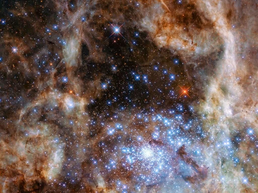 L'étoile la plus massive connue à ce jour est située dans l'amas R136. Crédit: NASA, ESA, P Crowther (University of Sheffield)