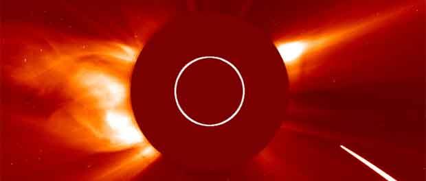 comète détruite par le Soleil