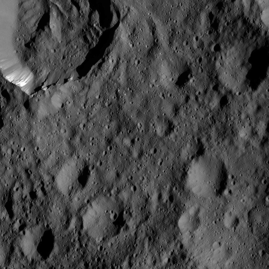 Takel Crater
