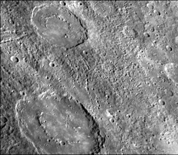 Deux cratères de Mercure