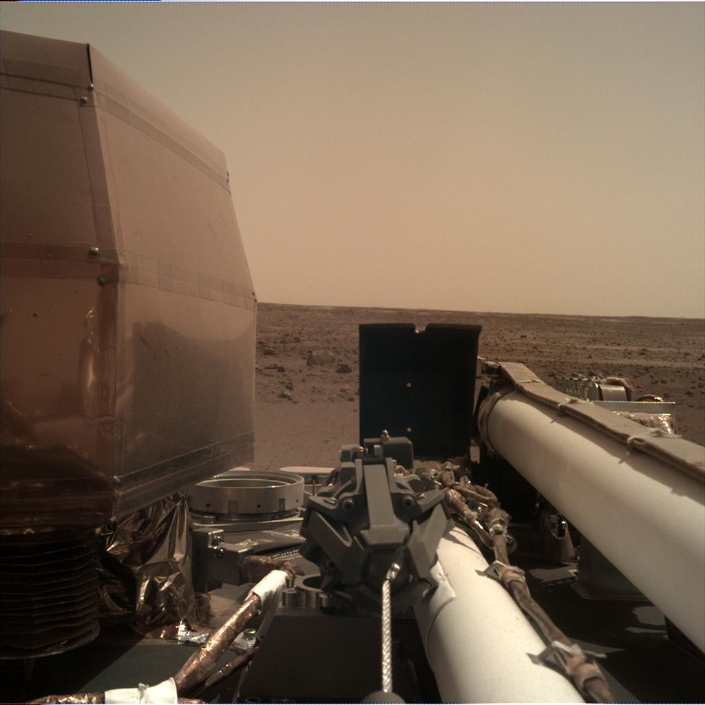 les premières images de l'atterrisseur InSight