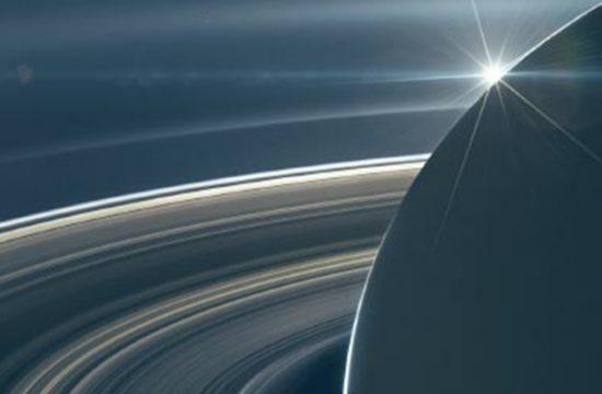 Des satellites