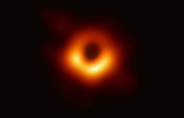 Découverte du plus petit trou noir stellaire connu ?