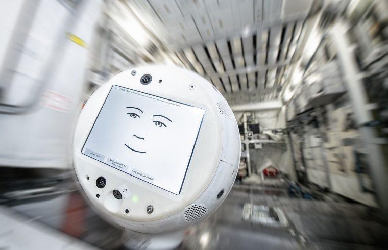 Le robot CIMON-2, un assistant pour les astronautes de l'ISS