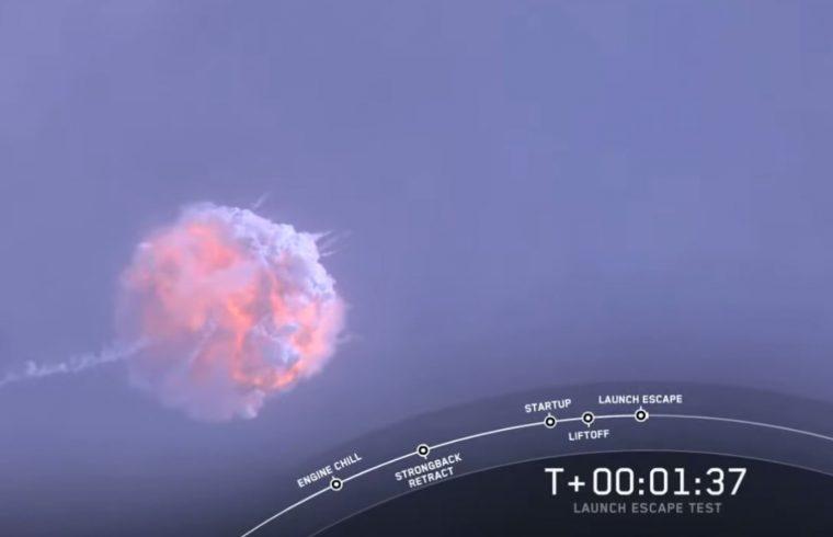 Réussite du test du système d'éjection du Crew Dragon de SpaceX