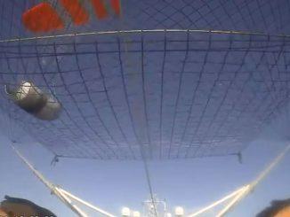 La récupération de la coiffe du Falcon 9 de SpaceX en vidéo