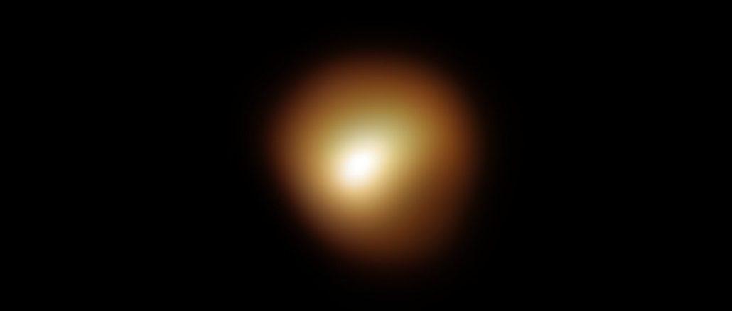 Le mystère de la baisse de luminosité de Bételgeuse résolu